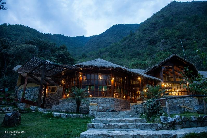 Lucma Lodge 01